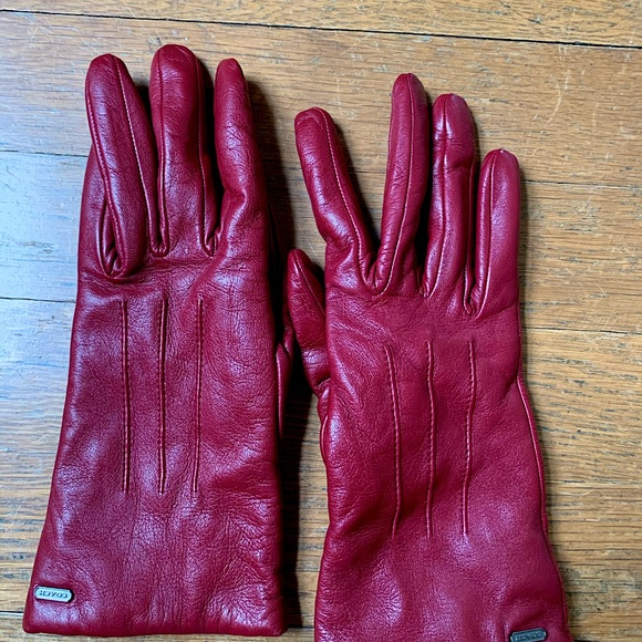 Maroon Coach Leather Gloves (size 6.5)